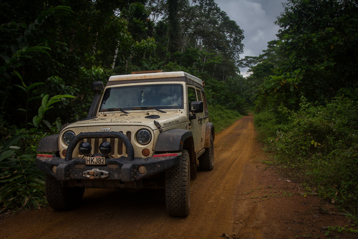 jeep africa gravel road 720x480