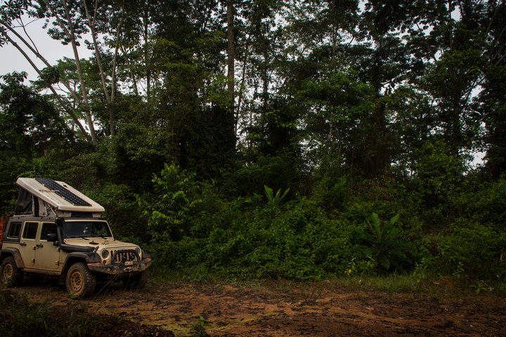 africa jeep camping gabon jungle 720x480