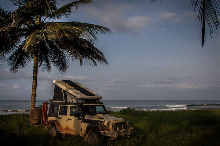 gabon beachside camping jeep 720x480