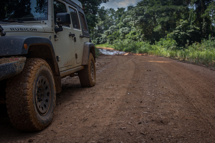 gabon jeep mud 720x480