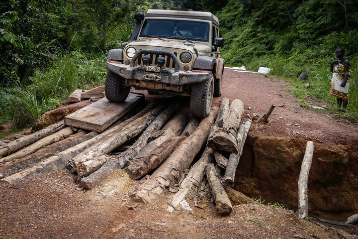 gabon jeep stick bridge 720x480