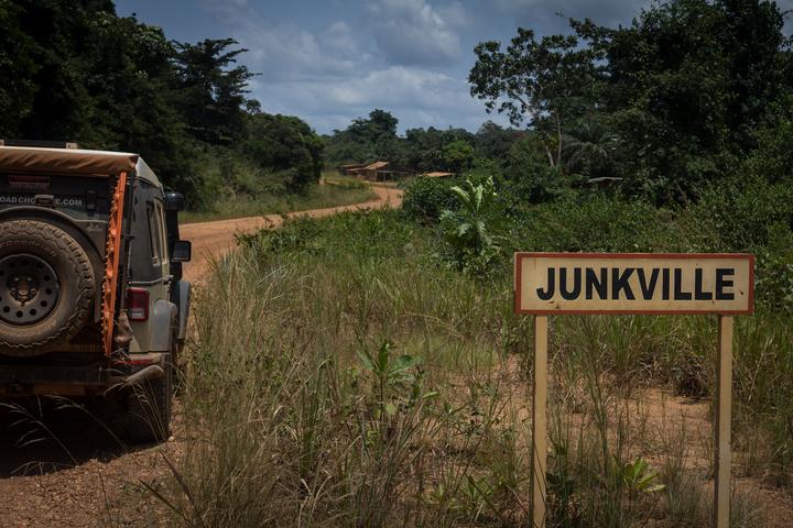 jeep gabon junkville 720x480