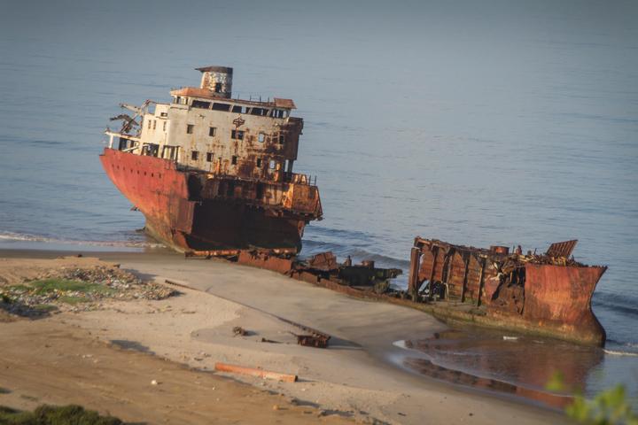 angola shipwreck 720x480