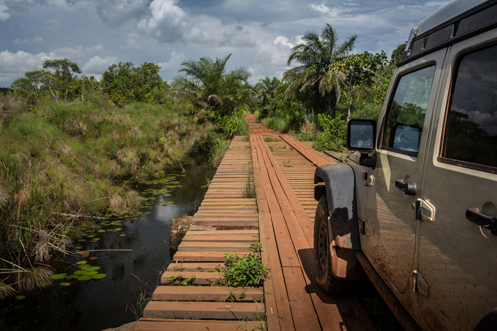jeep bridge 720x480