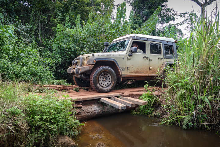 jeep congo small bridge 720x480