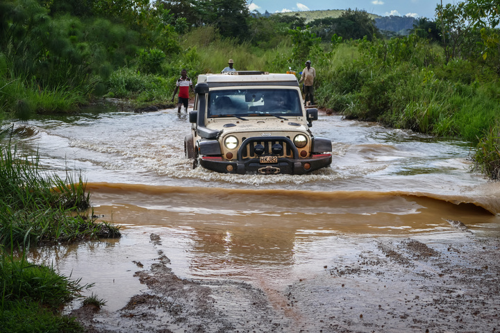 jeep congo water crossing 720x480