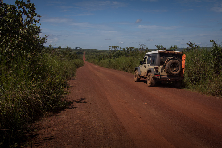 jeep drc gravel road 720x480