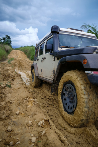 jeep drc mud bfg at ko2 320x480