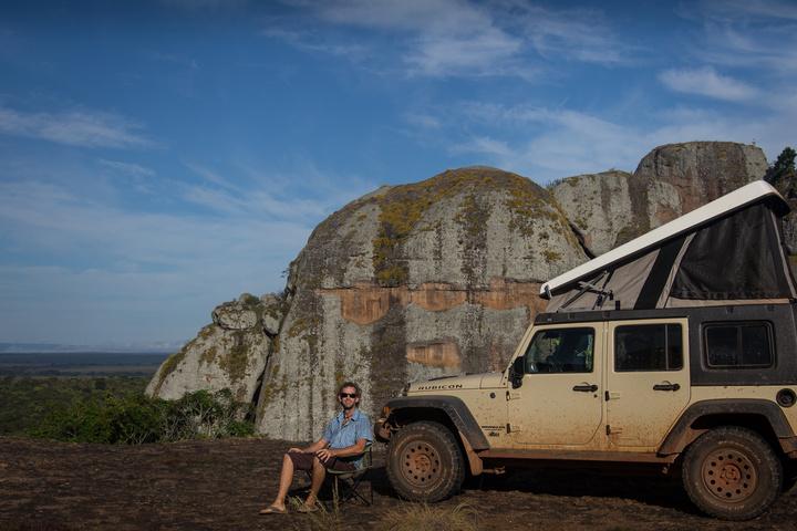 piedras negras dan jeep 720x480