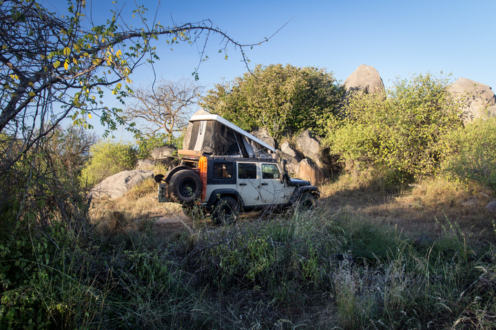 angola jeep wild camp 720x480