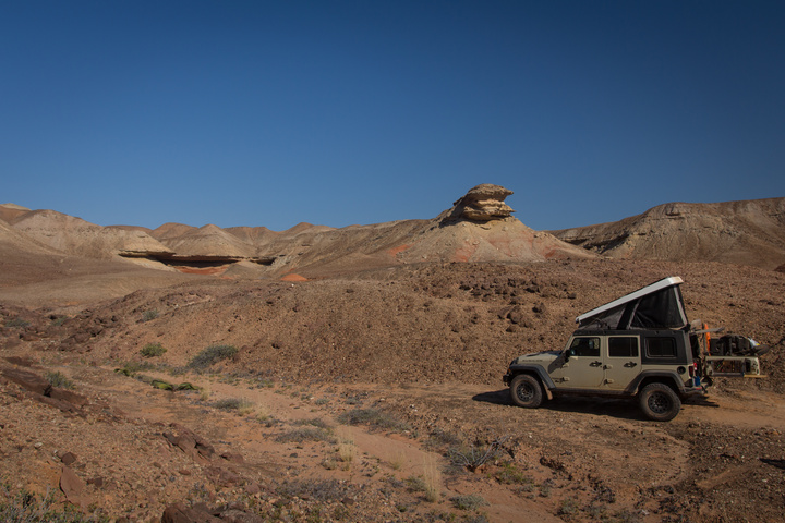 jeep rocky desert 720x480