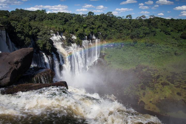 kalandula falls edge rainbow 720x480