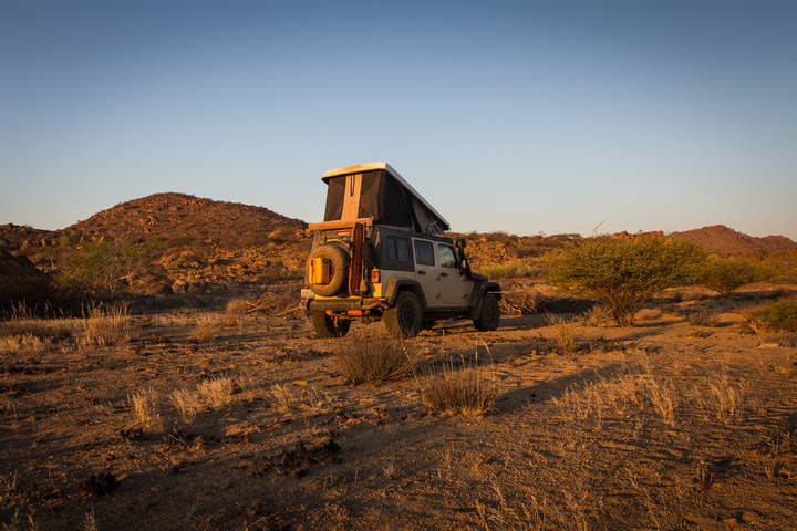 namib desert camping jeep sunrise 720x480