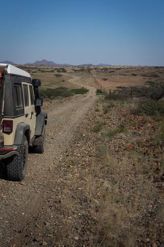 namib desert gravel road 320x480