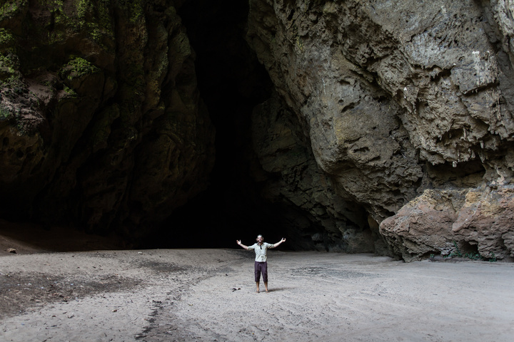 sassa caves angola dan entrance 720x480