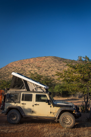 jeep camping namibia 320x480