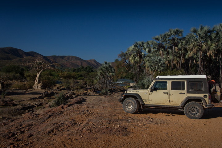 jeep namibia epupa falls 720x480