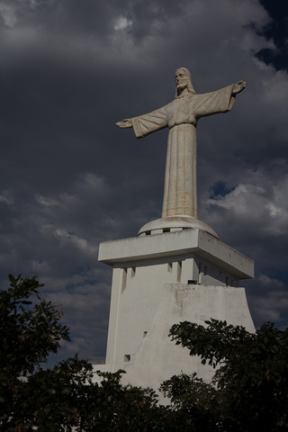lubango christ statue 320x480