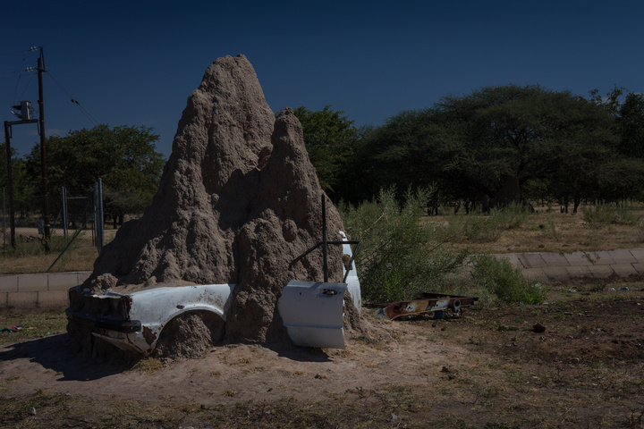 namibia ant mound car 720x480