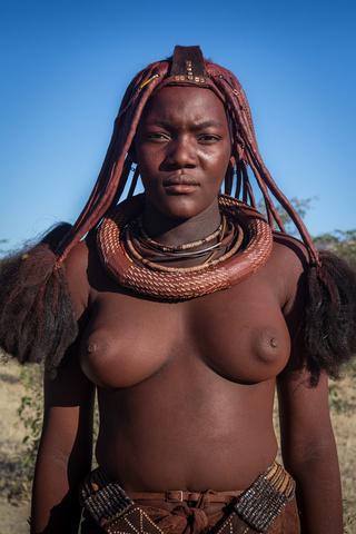 namibia himba lady profile 320x480