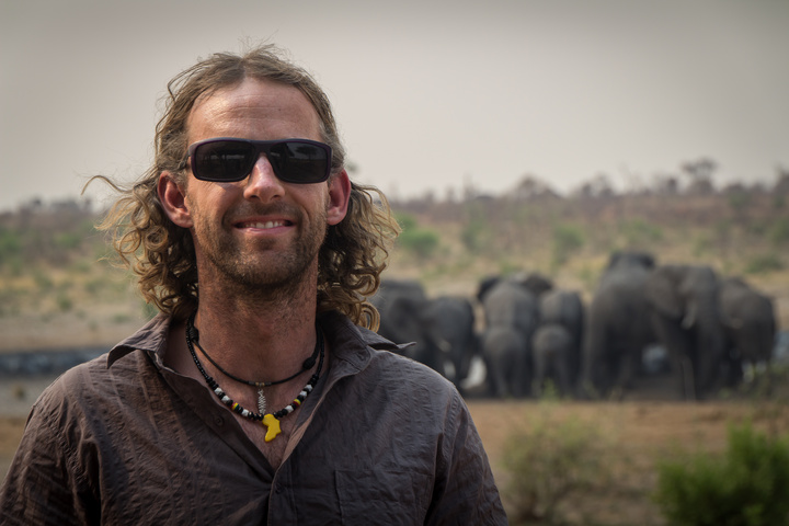 khaudum dan elephants 720x480