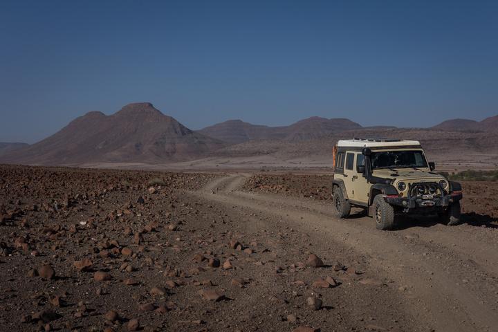 rocky mountains namib desert 720x480