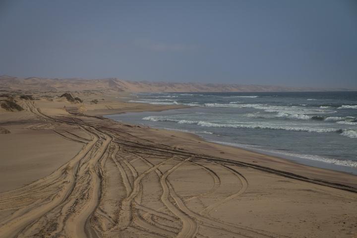 tracks to the dunes 720x480