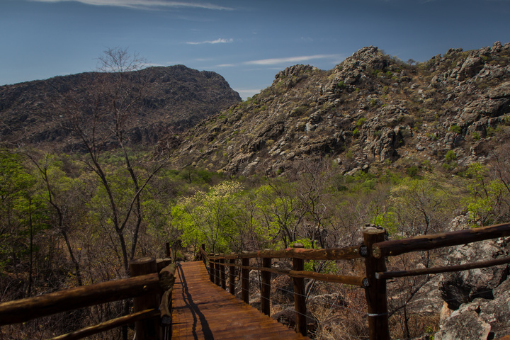tsodilo mountains walkway 720x480
