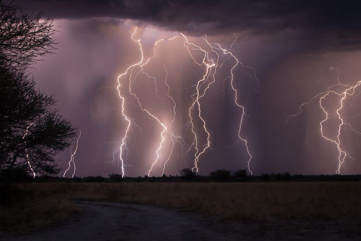 central kalahari lightning 720x480