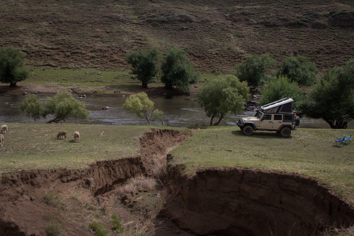 jeep camping near river lesotho 720x480