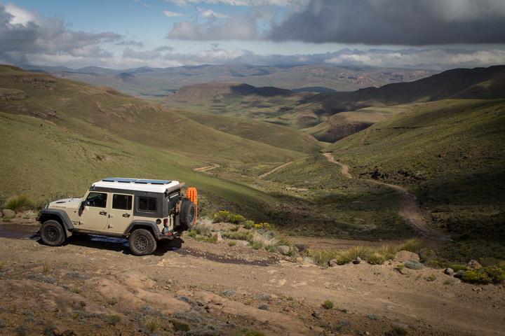 jeep lesotho mountain pass 2 720x480
