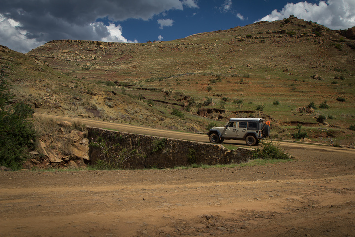 jeep lesotho mountain road 720x480