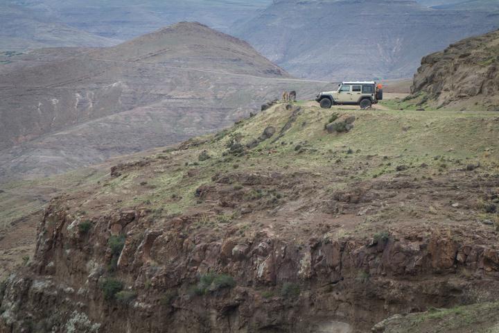 jeep mountain overlook lesotho 720x480