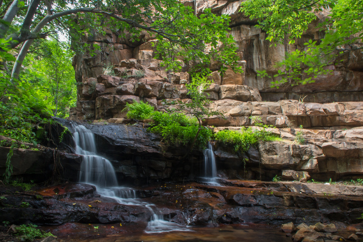 palapye waterfall close up 720x480