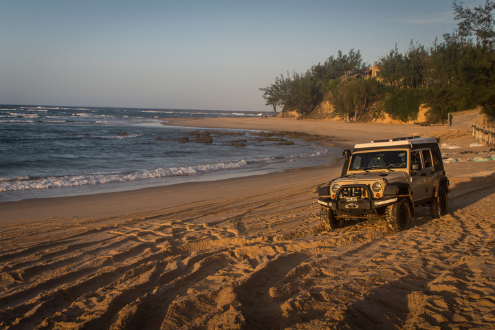 jeep mozambique beach 720x480