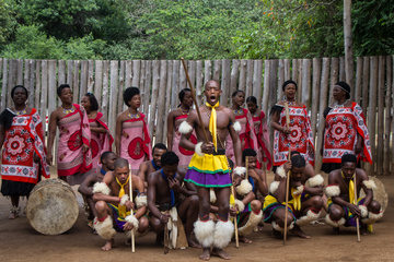 Mantenga dancing display