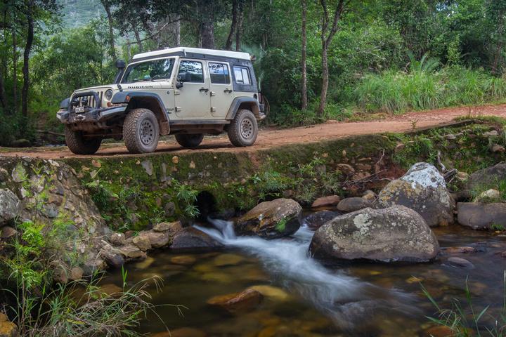 jeep near chimanimani 720x480