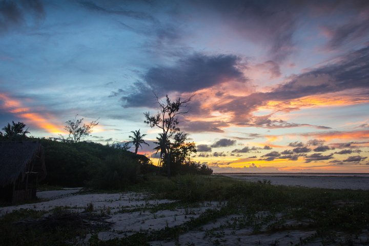 sunset secret beach moz 720x480