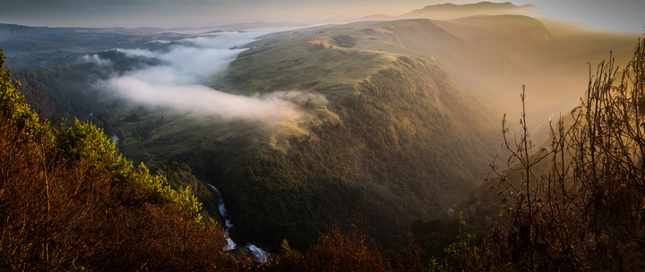 zimbabwe morning mist waterfall 720x304