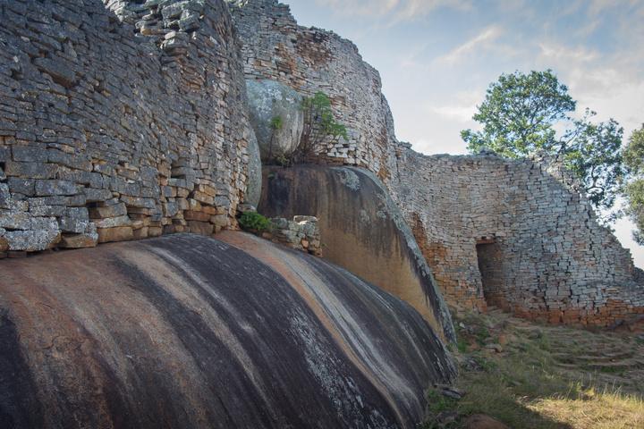 great zimbabwe wall and rock1 720x480