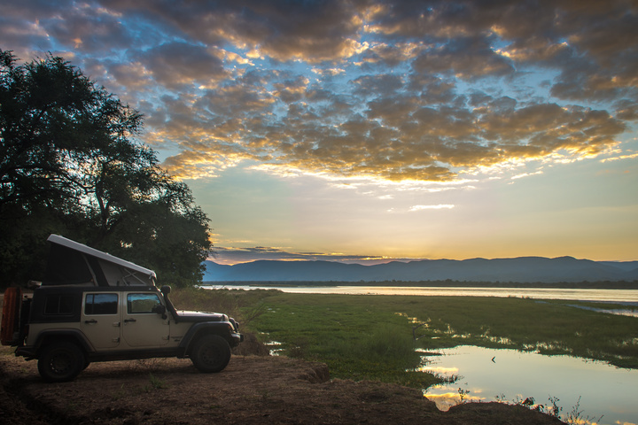 jeep camping sunset zambezi banks 720x480