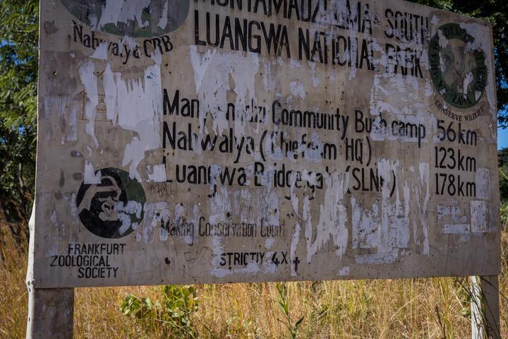 luangwa road sign zambia 720x480