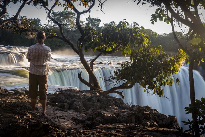 luaungwe falls dan viewing 720x480