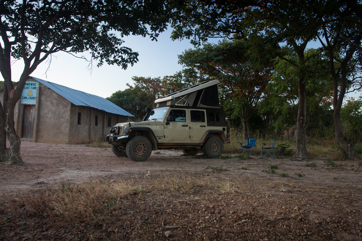 wild camp jeep zambia church 720x480
