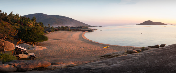 jeep lake malawi camping 720x302