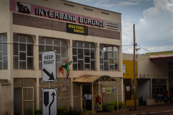 burundi keep right sign bank 720x480