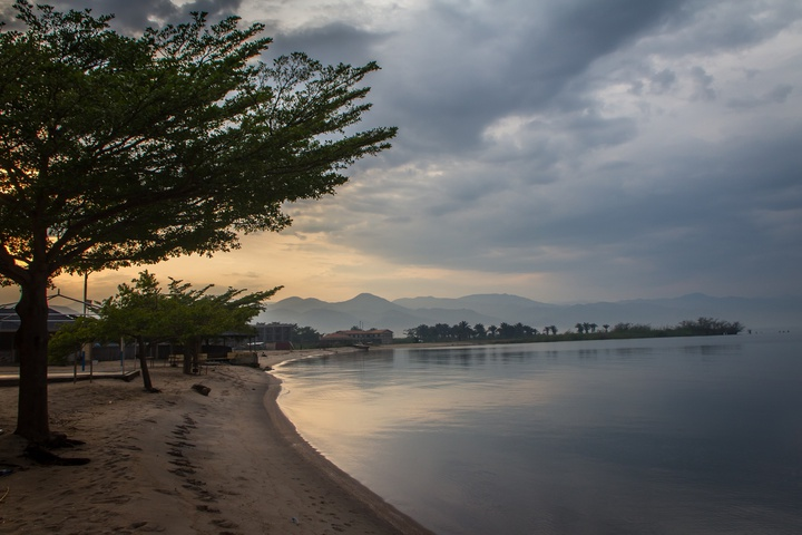 lake tanganyika shore 2 720x480
