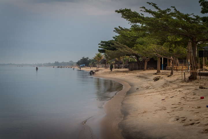 lake tanganyika shore 720x480