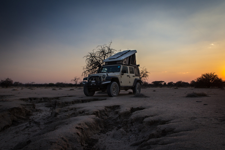 tanzania jeep sunset wild camp 720x480