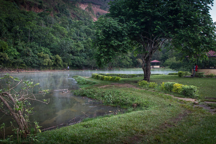 chimerwa hot spring main lake 720x480